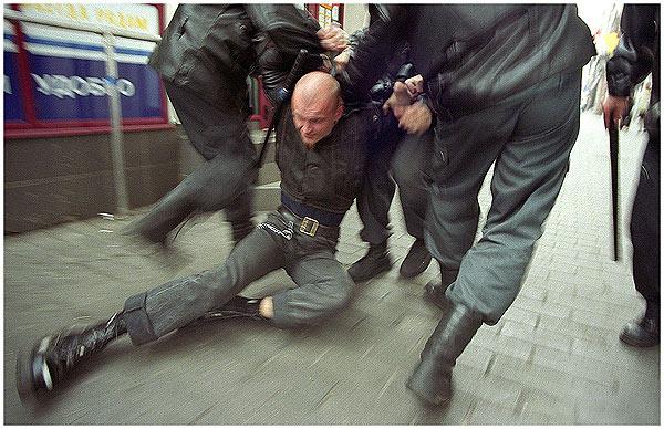 В москве активизировались скинхеды в униформе