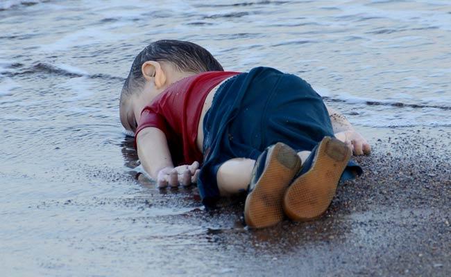 Если во сне утонувший ребенок попал в сеть или на крючок в реке, то займете чужое место.