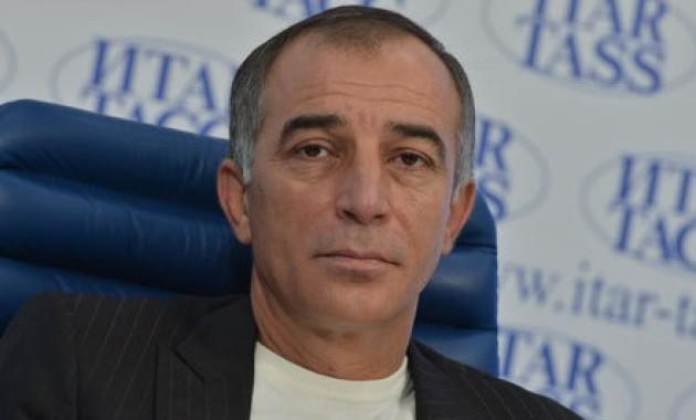 Алий Тоторкулов сдал документы в избирком Черкесска