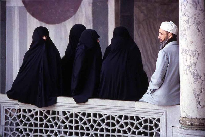 polygamy group marriage Following the introduction of civil partnerships, muslim representatives in italy are now demanding the legalisation of polygamy.